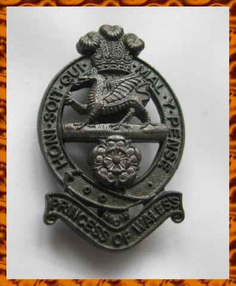 Collectable  British  Military Cap Badge10293