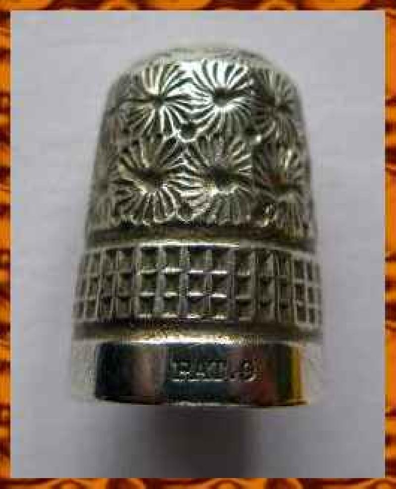 Collectable Vintage Thimble8780