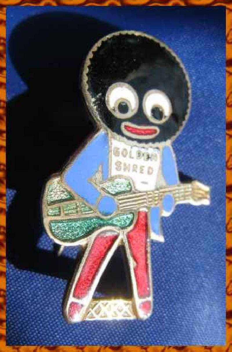 Collectable Vintage Robertsons Golly Badge Guitar  8919