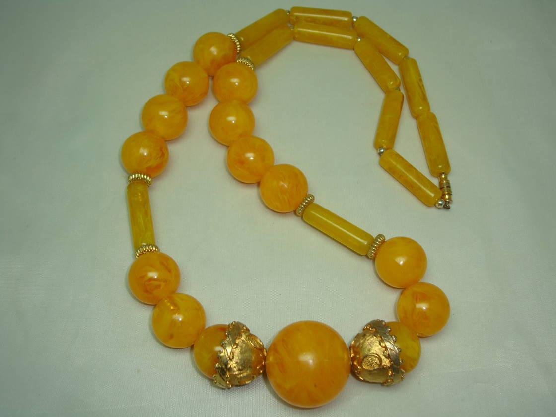 Vintage 50s Amazing Chunky Orange Amber Marble Lucite Bead Necklace