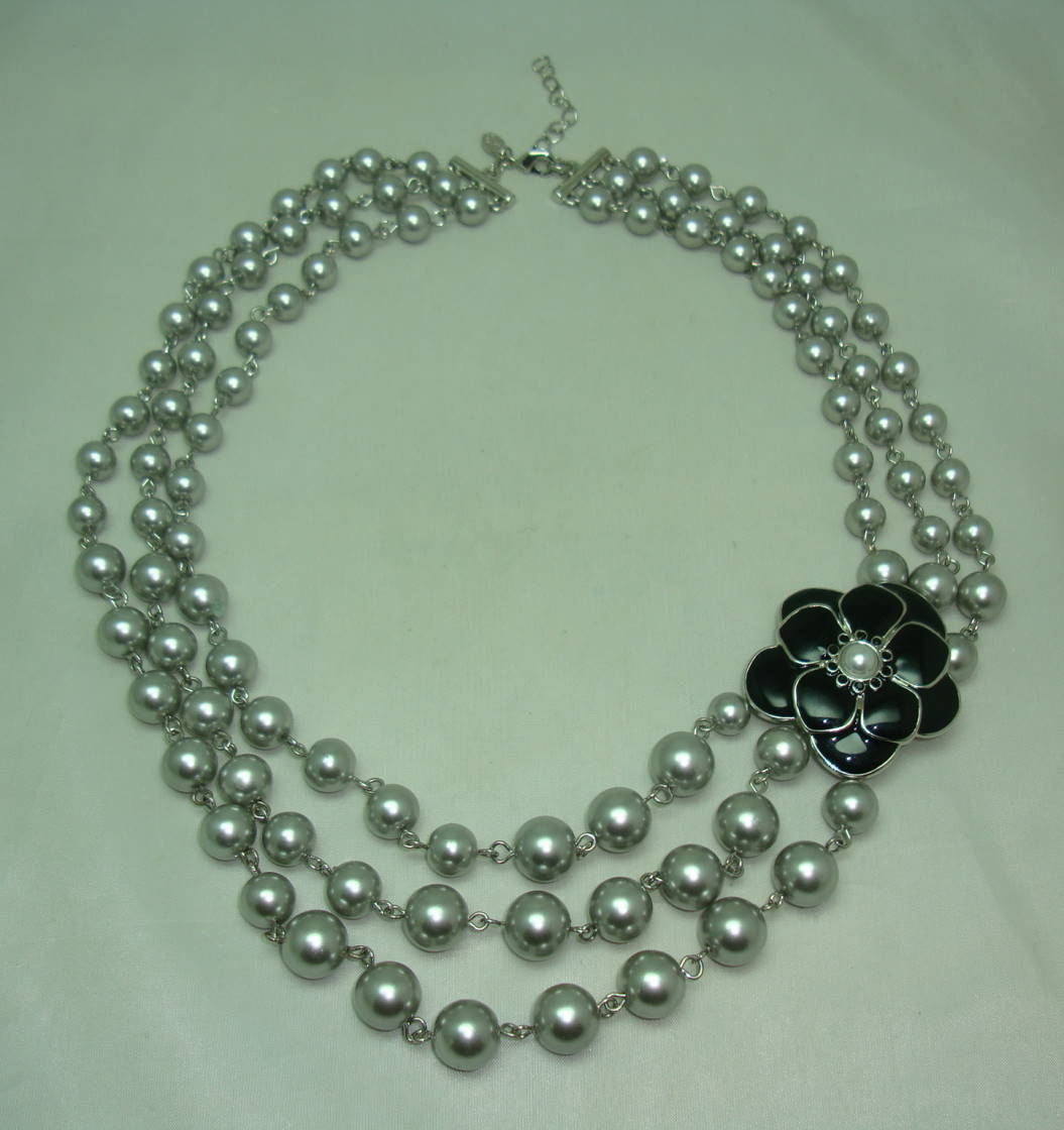 1950s Style 3 Row Grey Faux Pearl Bead Necklace Black Enamel Flower