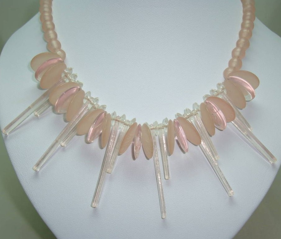 £28.80 - Vintage 70s Contemporary Pretty Pink Lucite Circles Drop Bead Necklace