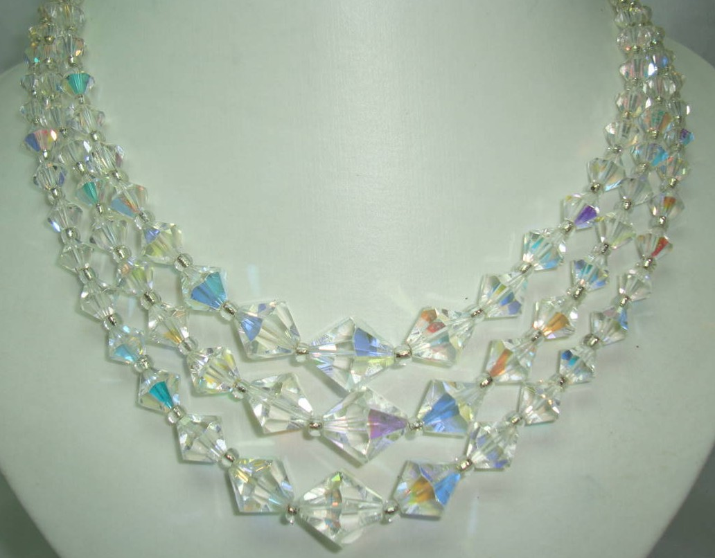 £60.00 - 1950s 3 Row Crystal Glass Bi Conical Bead Necklace Diamante Clasp Wow!