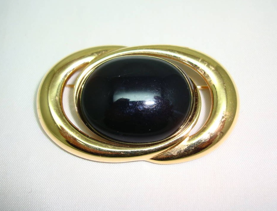 Vintage 80s Signed Monet Black Lucite Goldplated Oval Swirl Brooch
