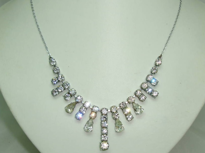 Vintage 30s Paste Diamante Graduating Drop Necklace on Silver Chain