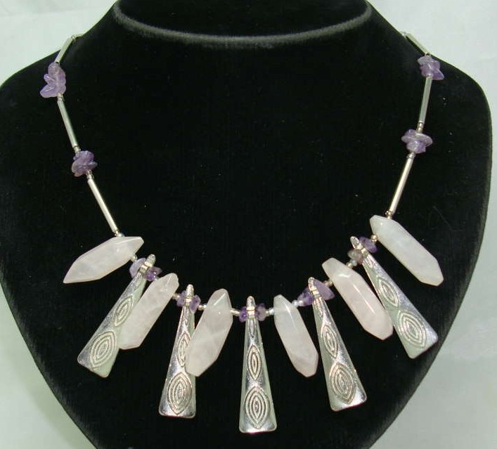 £36.00 - Stunning Contemporary Modernist Silver & Rose Quartz Necklace