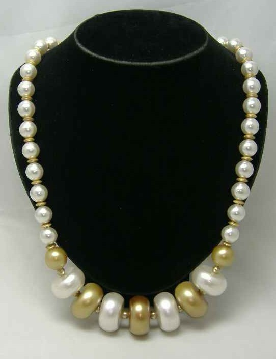 £18.00 - Vintage 50s Chunky Gold White Faux Pearl Bead Necklace