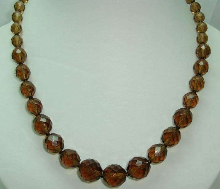 £14.40 - 1950s Graduating Smokey Quartz Glass Bead Necklace WOW