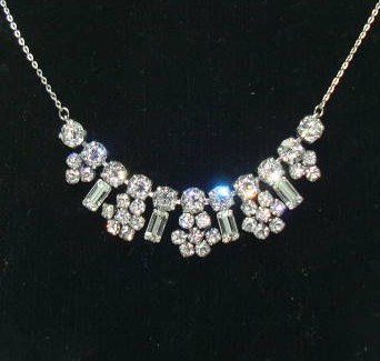 £28.00 - Vintage 50s Sparkling Diamante Paste Flower Drop Necklace on Chain Pretty
