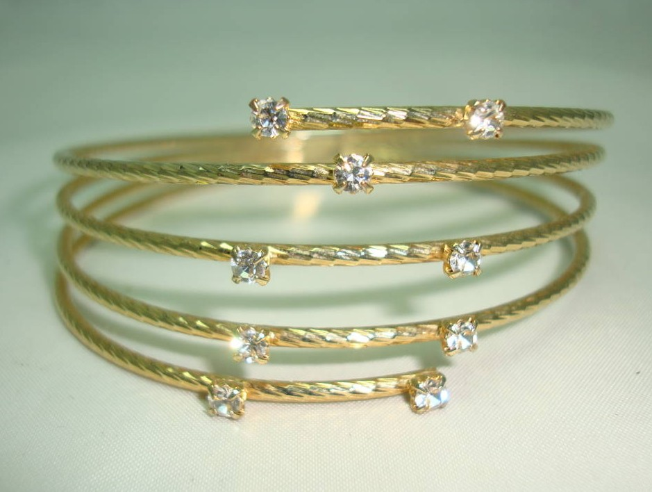 Vintage 50s Wide Spiral Design Diamante Encrusted Goldtone Bangle