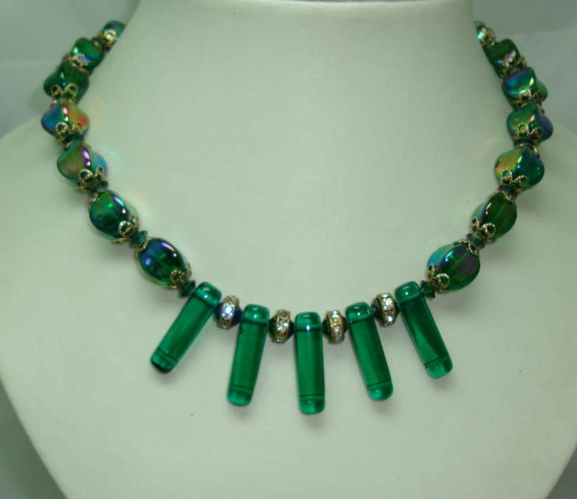 £24.00 - Vintage 50s AB Green Glass Bead & Diamante Necklace WOW