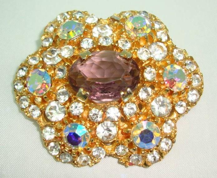 £38.00 - 1950s AMAZING AB & Purple Diamante Flower Shaped Brooch