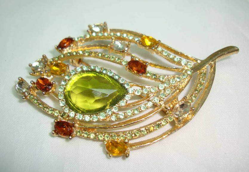 £14.40 - 1950s Green Citrine Orange Diamante Floral Leaf Brooch