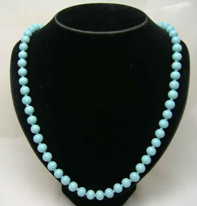 £14.40 - 1950s Turquoise Blue Glass Bead Hand Knotted Necklace