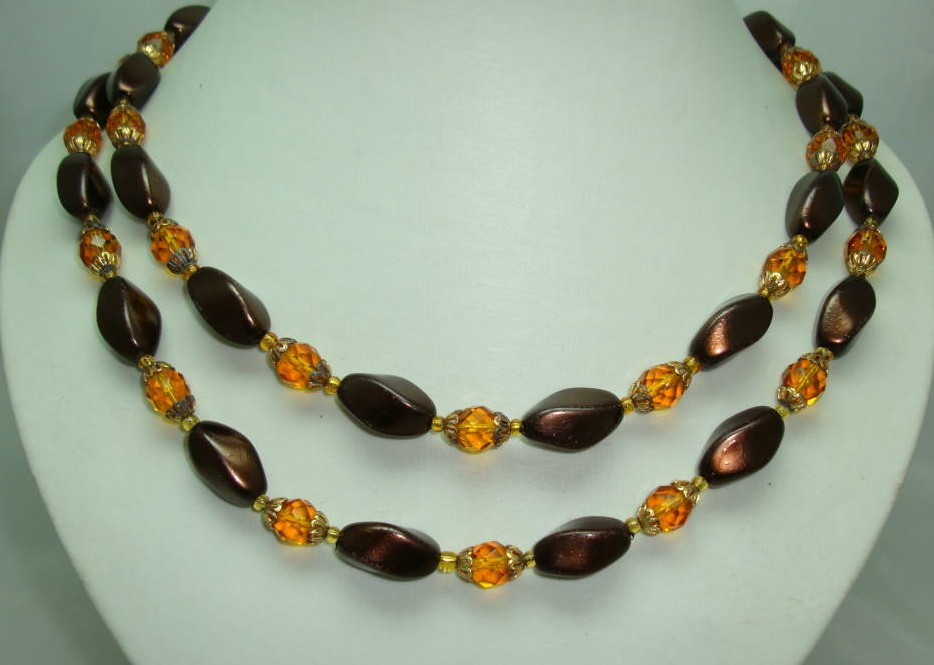 £28.00 - Vintage 50s 2 Row Amber Glass Faux Pearl Bead Necklace