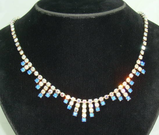 £21.60 - Vintage 50s Sparkling AB Blue Diamante Drop Necklace