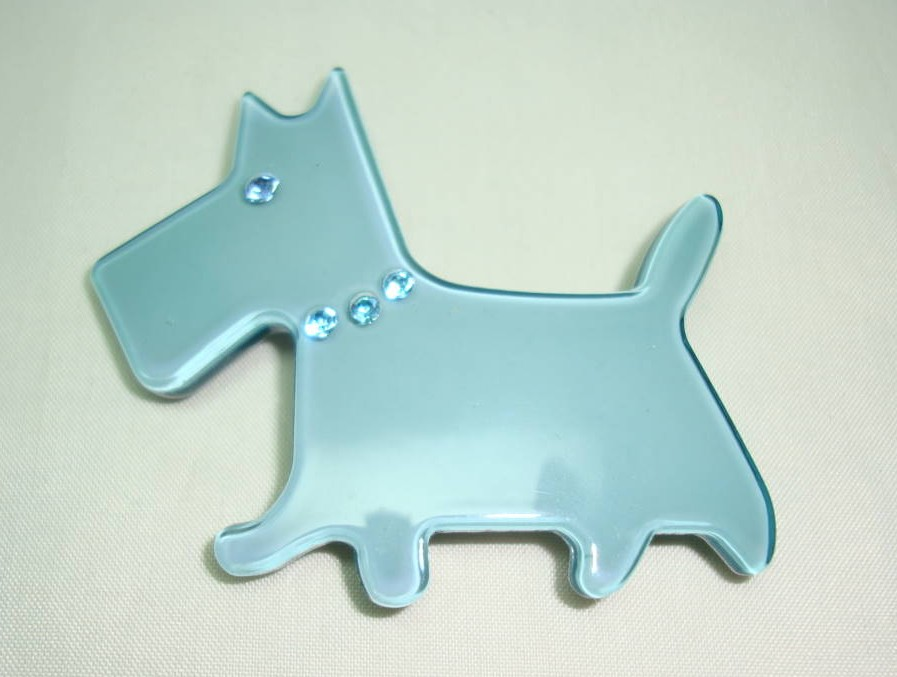 Very Cute Teal Blue Lucite Scottie Dog Brooch with Diamante Collar