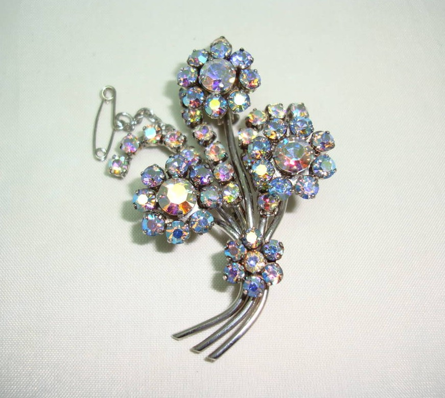 Vintage 1950s Aurora Borealis Rhinestone Diamante Flower Spray Brooch