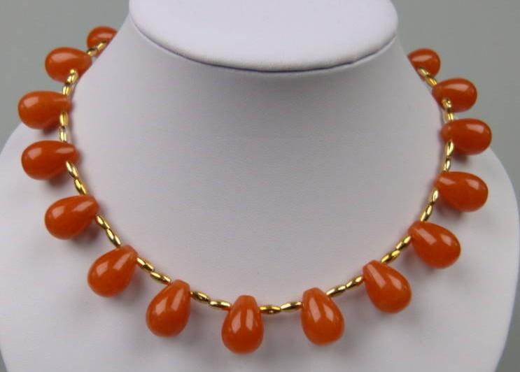 £56.00 - Amazing Teardrop Shaped Cornelian Bead and Gold Bead Collar Necklace