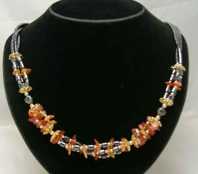 £18.40 - Vintage 1980s Classy  3 Row Carnelian & Hematite Gold Bead Necklace