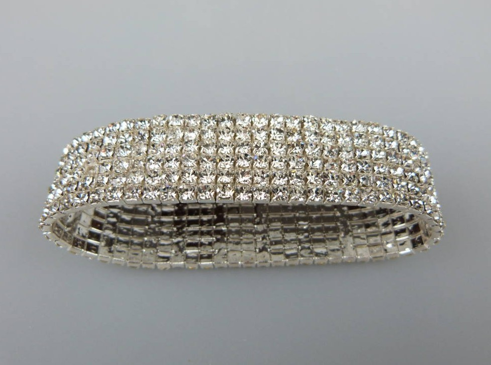 £16.00 - Glamorous Vintage 50s Style Wide Sparkling Diamante Stretch Bracelet