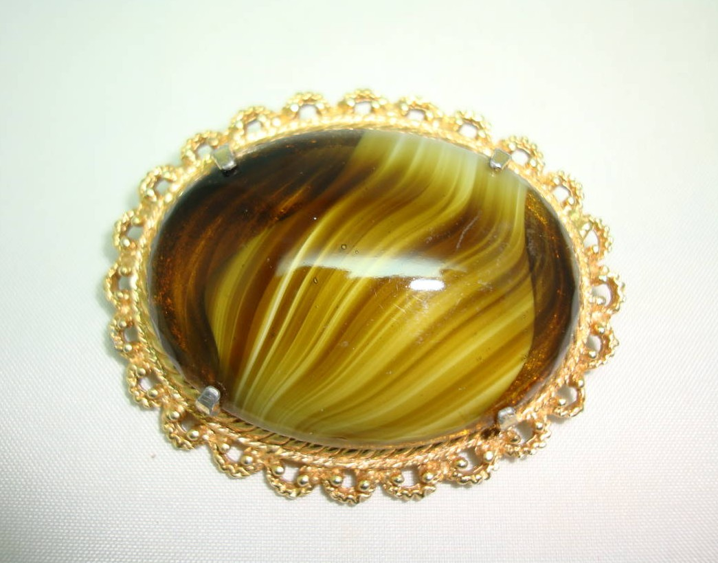 £20.00 - Vintage 50s Signed Sphinx Large Domed Green Agate Glass Gold Brooch