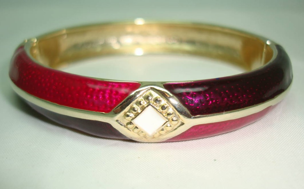 Vintage 80s Deep Pink and Purple Enamel Stripe Goldtone Hinged Bangle