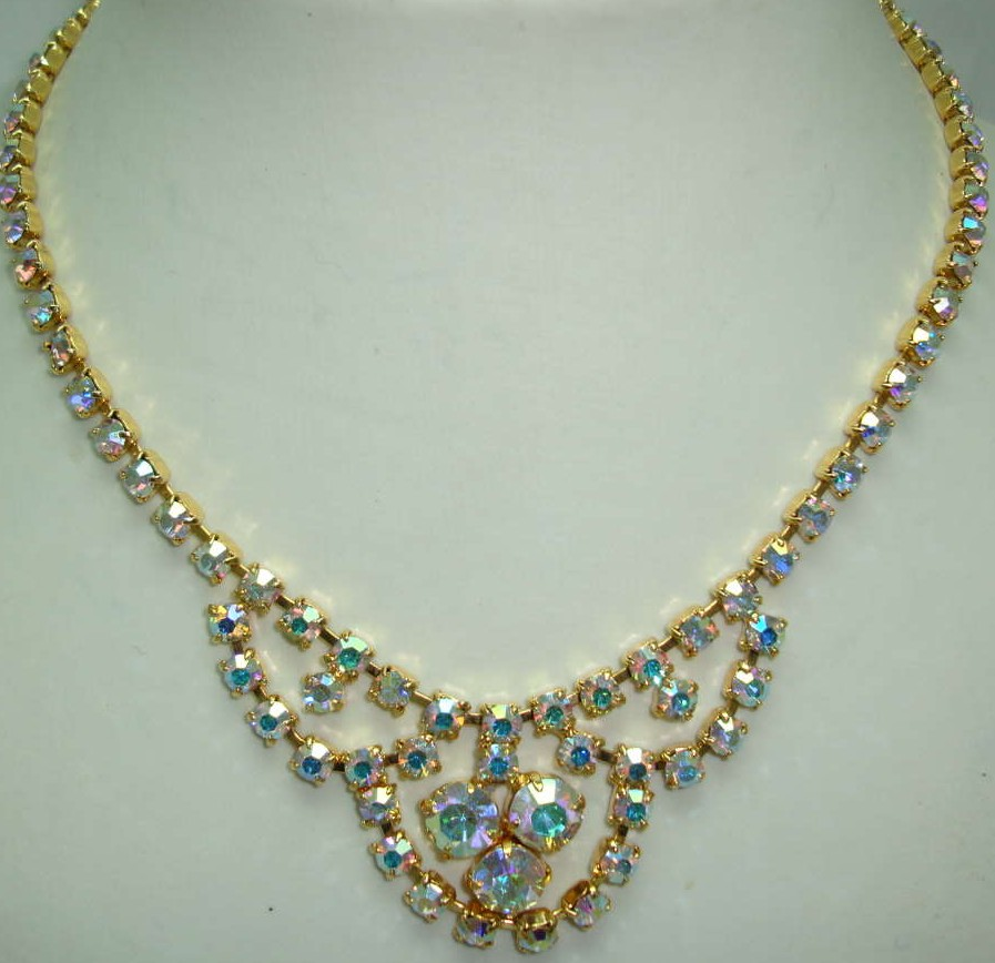 £30.00 - 1950s Gorgeous Carnival AB Diamante Cascade Necklace
