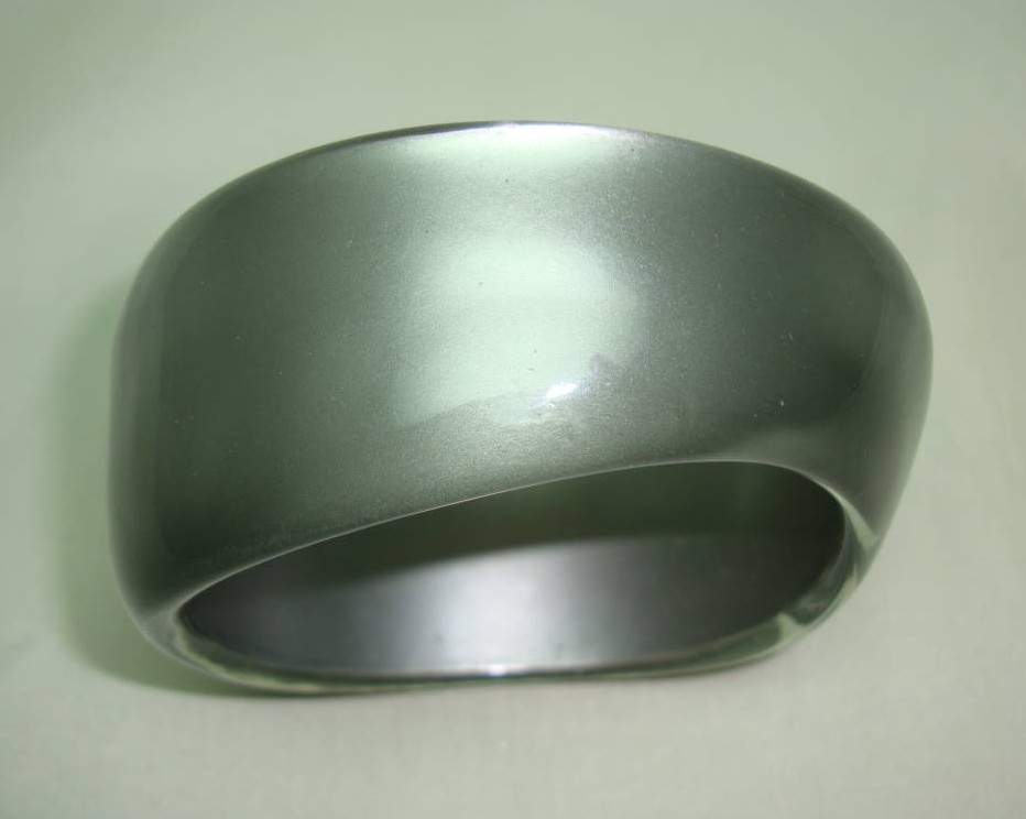 Fabulous Chunky Silver Grey  Lucite Acrylic Moonglow  Wide Bangle