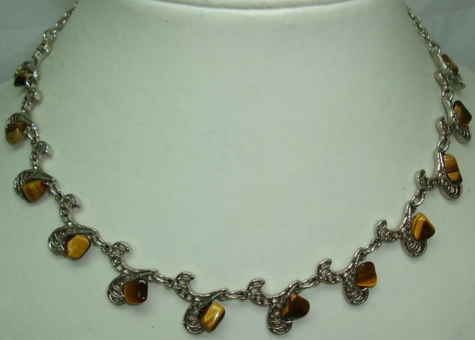 £26.40 - 1950s Fancy Silver Filigree Link Tigers Eye Necklace
