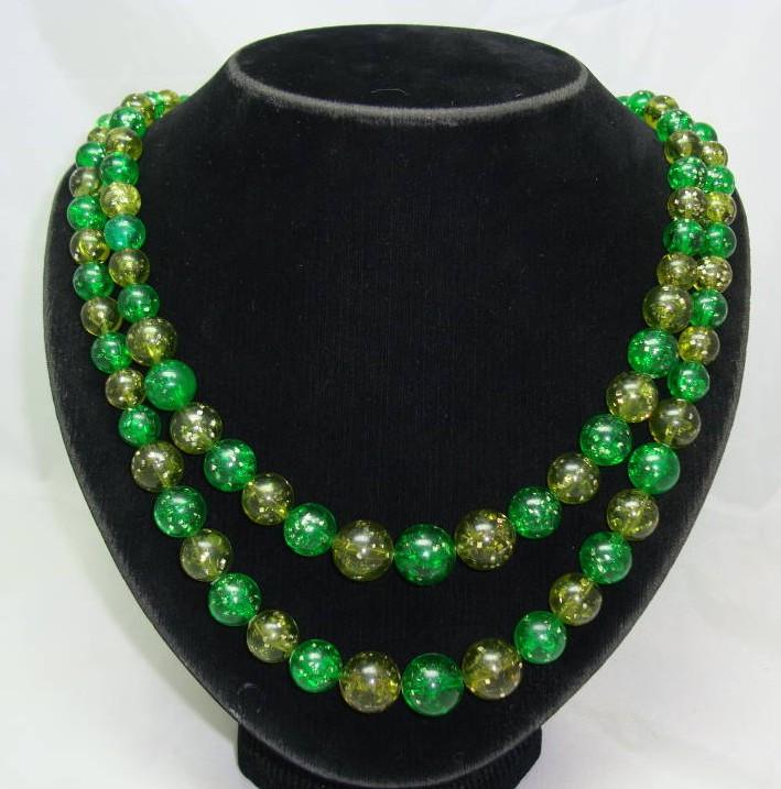 £21.60 - 1950s 2 Row Green Lucite Confetti Glitter Bead Necklace