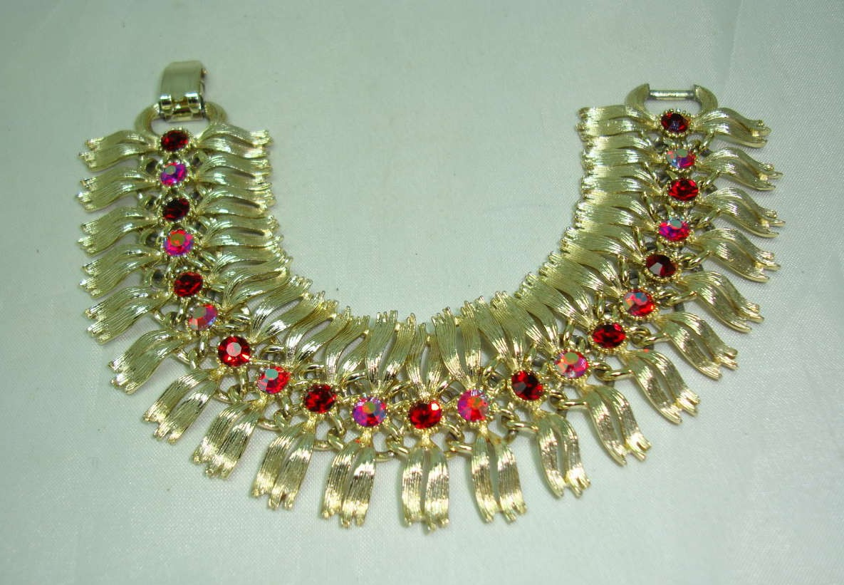 Vintage 50s Fab Lisner Red Diamante Wide Fancy Link Goldtone Bracelet