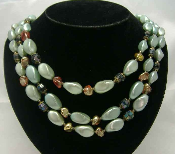 Vintage 50s 3 Row Faux Pearl Green Glass Bead Necklace