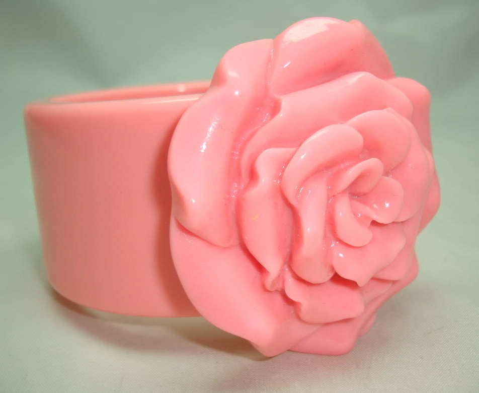 Fabulous Wide Chunky Pink Flower Acrylic Bangle Statement Piece!