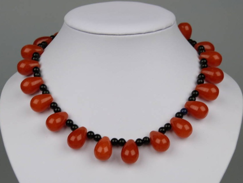Amazing Teardrop Shaped Cornelian Bead and Black Glass Collar Necklace