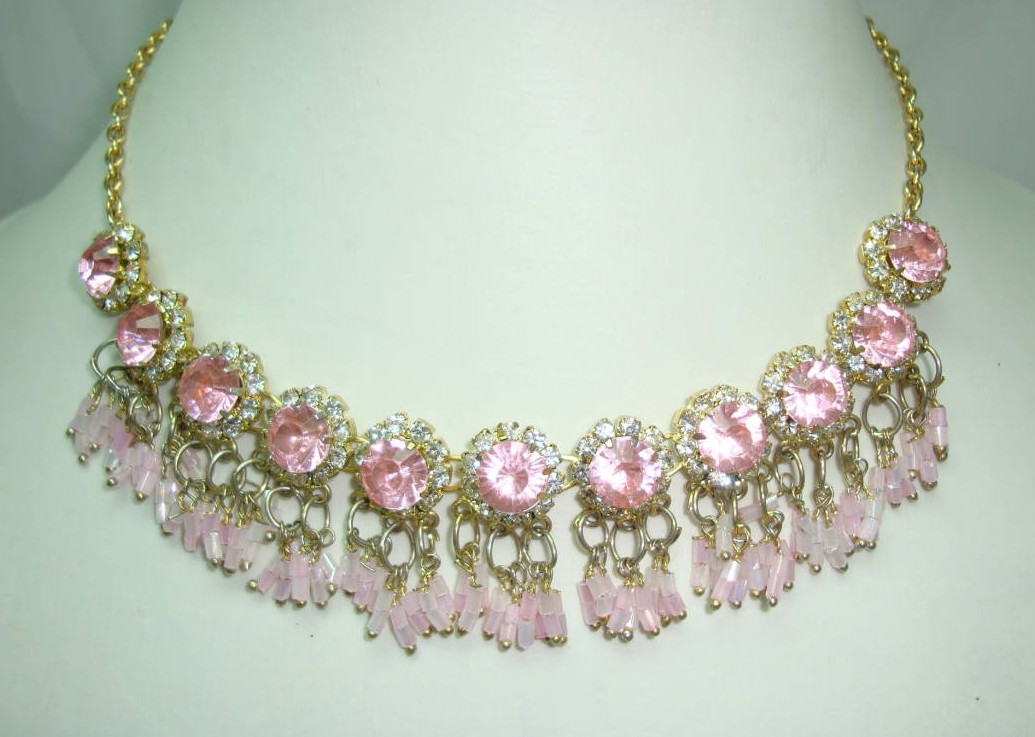 £50.40 - 1950s FAB Pink Diamante Flower Bead Drop Gold Necklace