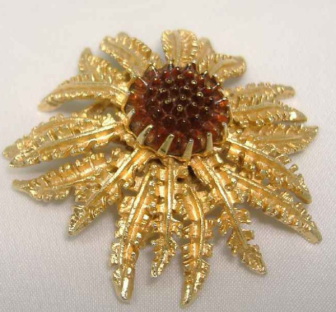 £19.20 - Vintage 60s Signed Sarah Cov Fabulous Gold Amber Glass Flower Brooch