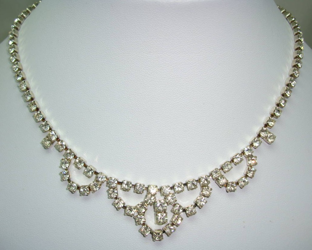 Vintage 50s Pretty Diamante Cascade Drop Sparkling Necklace