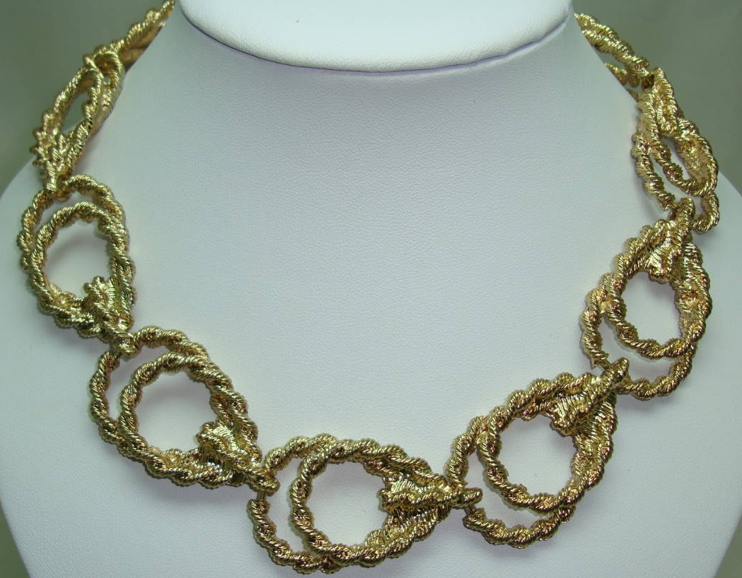 £34.40 - Vintage 80s Chunky Fancy Double Link Textured Gold Statement Necklace