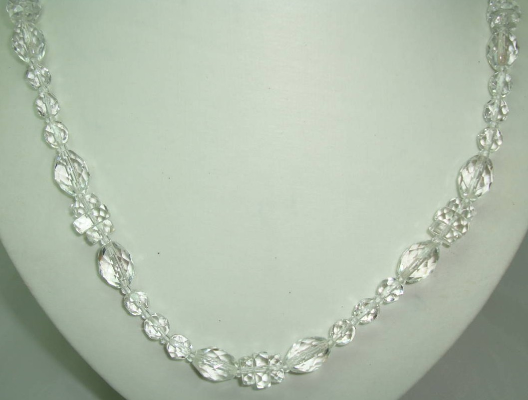 £16.80 - Vintage 50s Long Sparkling Crystal Glass Bead Necklace