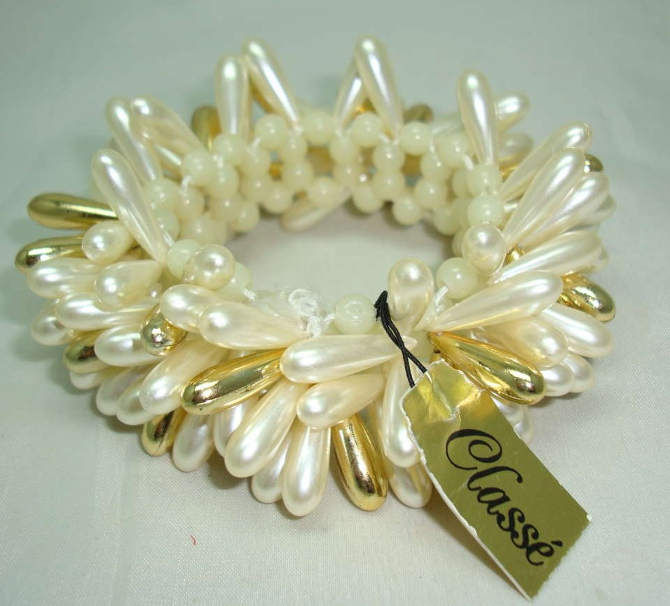 £15.60 - Vintage 60s Wide Faux Pearl & Gold Bead Drop Bracelet
