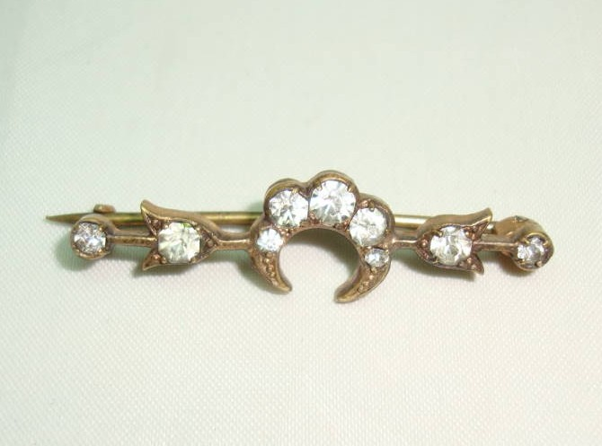 £16.00 - Antique Victorian Pretty Paste Crescent Moon Gold Bar Brooch