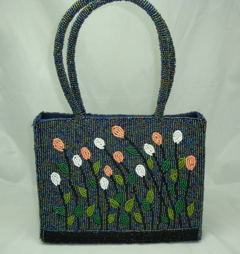 £42.00 - 1950s Style Pretty Beaded Flower Evening Handbag WOW!