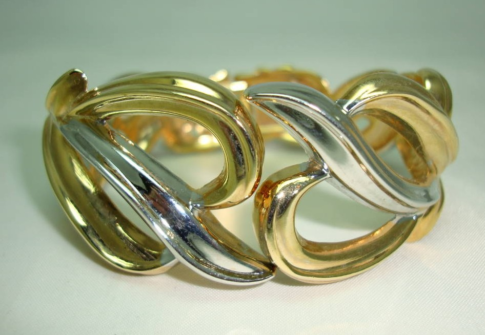 £19.20 - Vintage 80s Stylish Wide Silver and Gold Fancy Cuff Clamper Bracelet