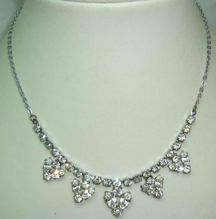 £21.60 - Vintage 50s Sparkling Diamante Flower Drop Necklace