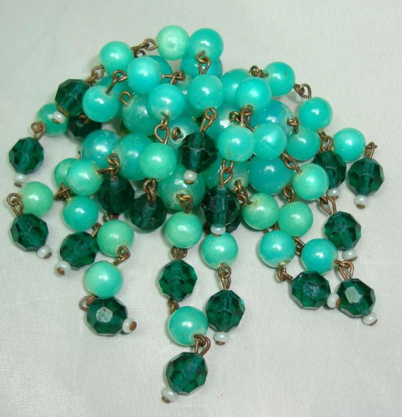 £14.00 - 1950s Green Lucite & Crystal Bead Tassel Drop Brooch