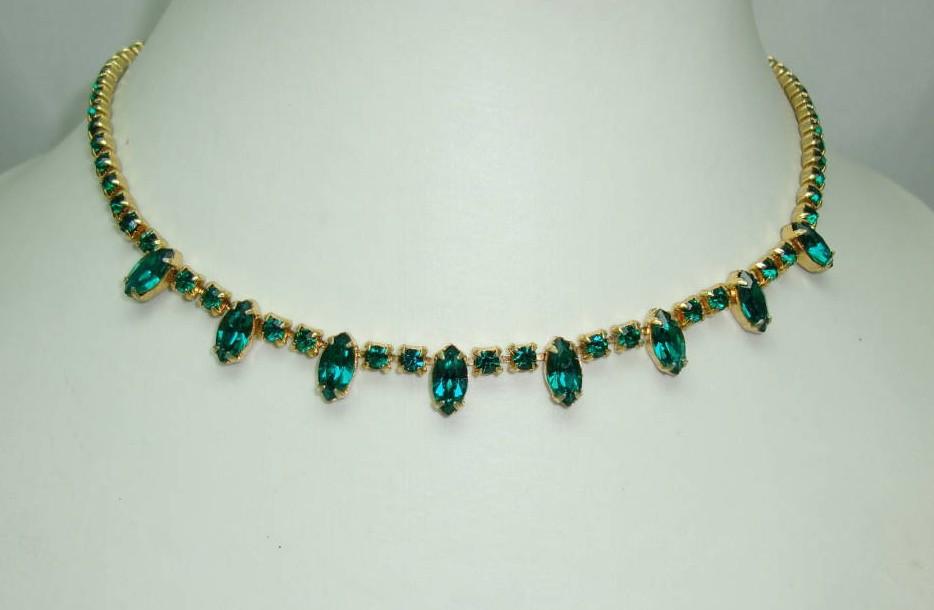 £22.40 - Vintage 50s Quality Green Diamante Drop Necklace