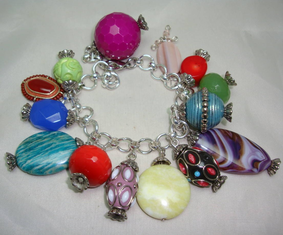 £50.00 - Fabulous One Off Design Multicoloured Glass and Lucite Charm Bracelet