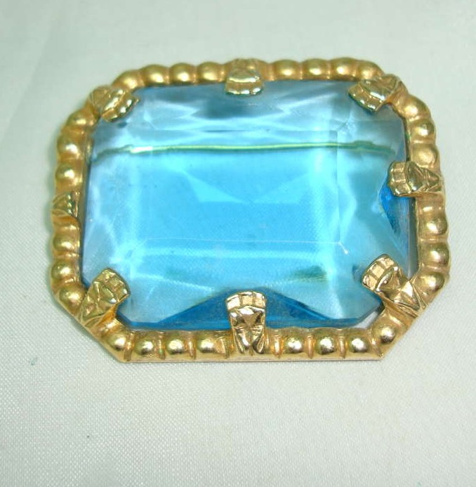 £11.20 - Vintage 50s Big Turquoise Blue Faceted Glass Stone Gold Brooch Signed!