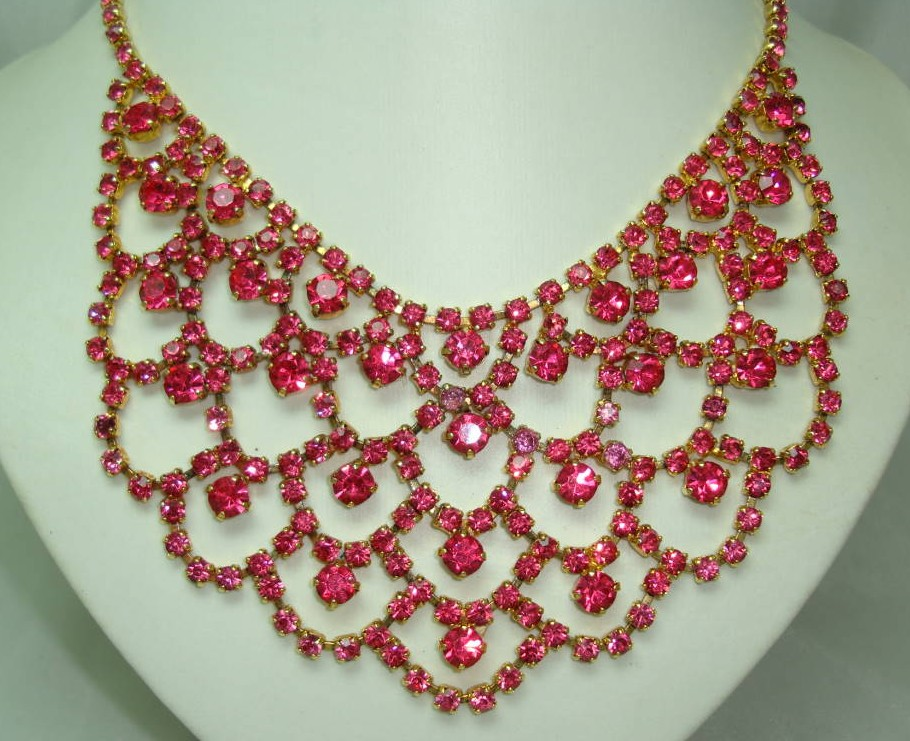 £96.00 - 1950s Fabulous Pink Diamante Festoon Cascade Necklace Statement Piece!